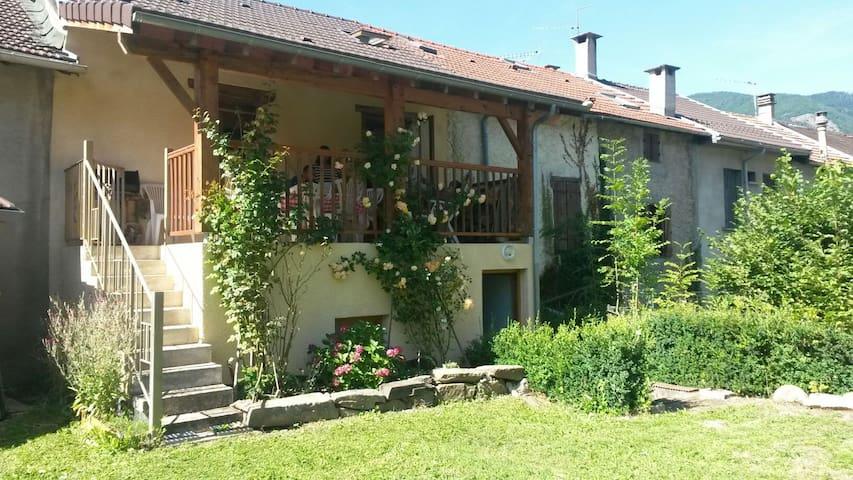 Charmante maison de village - Savignac-les-Ormeaux - Talo