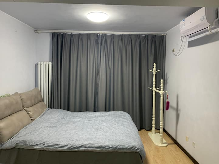 日租公寓,一室一厅,温馨公寓,紧邻避暑山庄(代售鼎盛王朝门票,优惠多多)