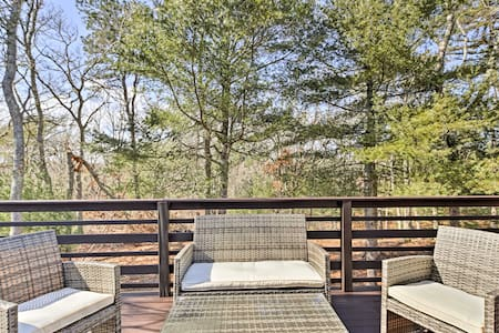 Cape Cod Apartment w/ Deck - 2 Miles to the Beach!