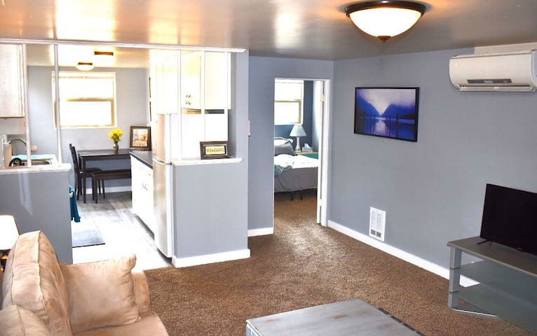 Peaceful West Downtown Boise Apartment W/ hot tub