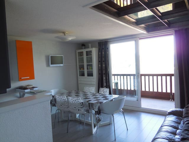 GURS43 - Renovated duplex - Close to shops and ski slopes