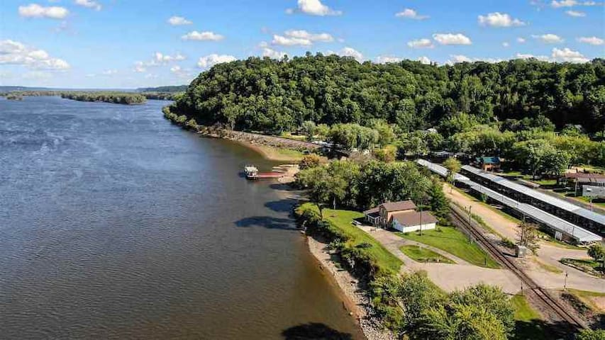 Stunning Views on Mighty Mississippi River NE Iowa