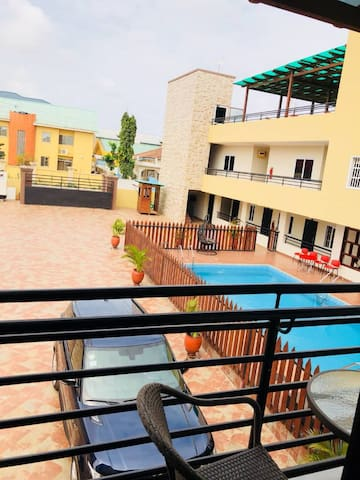 Local (Hidden by Airbnb) - Batsoana - 2 bed Apartment (Kobby's)