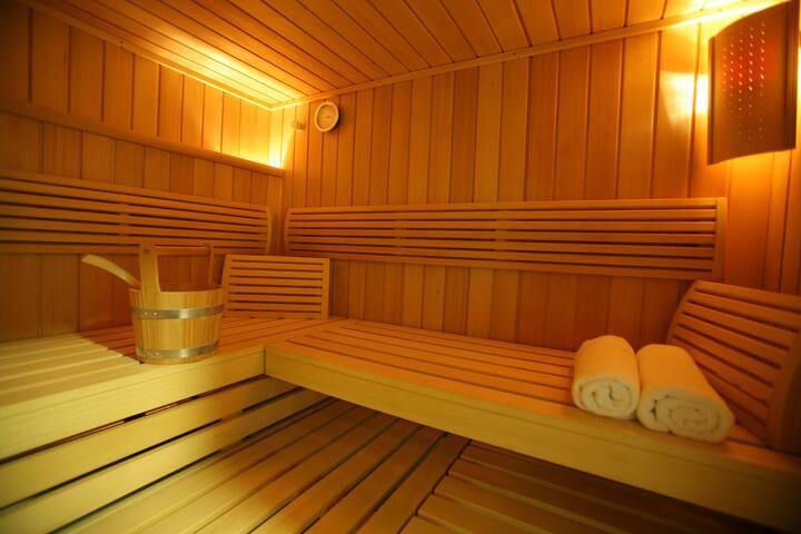 Amazing park view room with pool & sauna - München