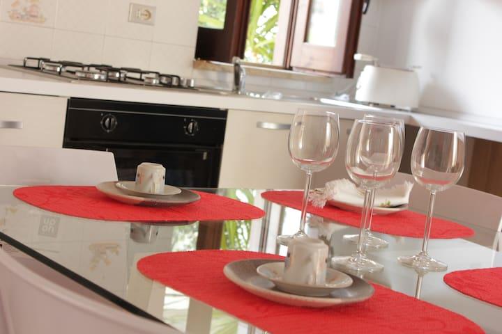villa arredata fronte mare - Bisceglie - 別荘