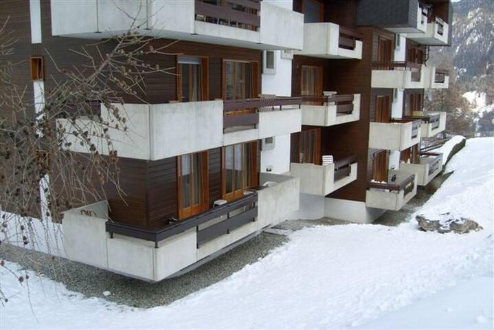 www.appartement-zwitserland ( nl ) /Centrum Dorp !