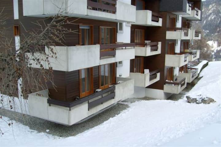 Basic Apartment in Swiss Alps - max. 4 persons !
