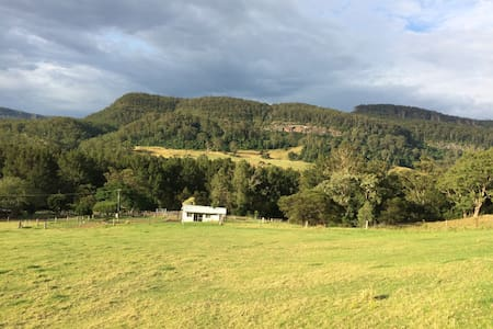 """The Tin Shed"" at Beauridge Farm - Kangaroo Valley - Zomerhuis/Cottage"