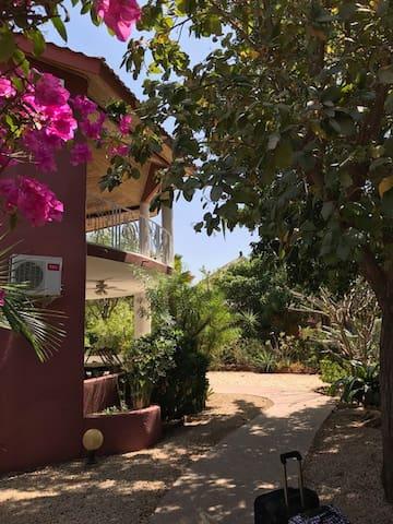 """Jolie villa  Résidence """"les jardins de Popenguine"""""""