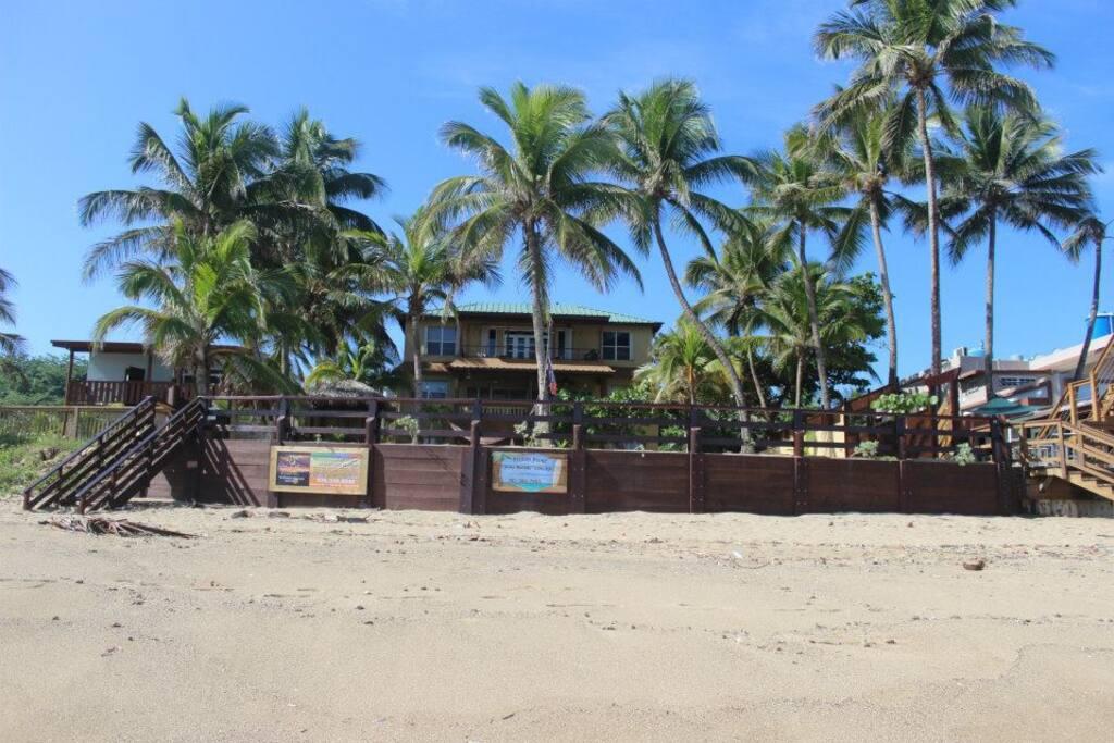 Beachfront, PENTHOUSE, Centered on the famous Sandy Beach