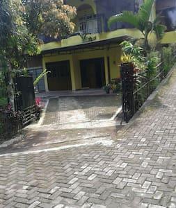 Pondok Sudiyono - Rumah
