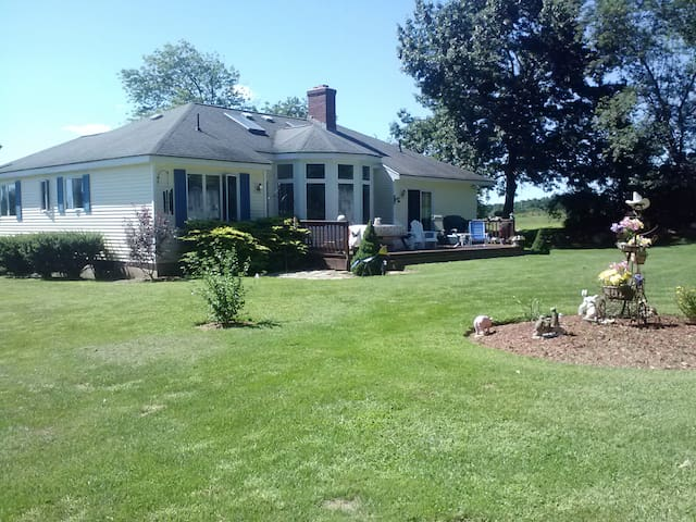 House on 3 acres, Boston Suburbs  - Southborough