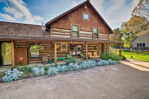 Spacious Log Cabin on the Wolf River w/ Fireplace!