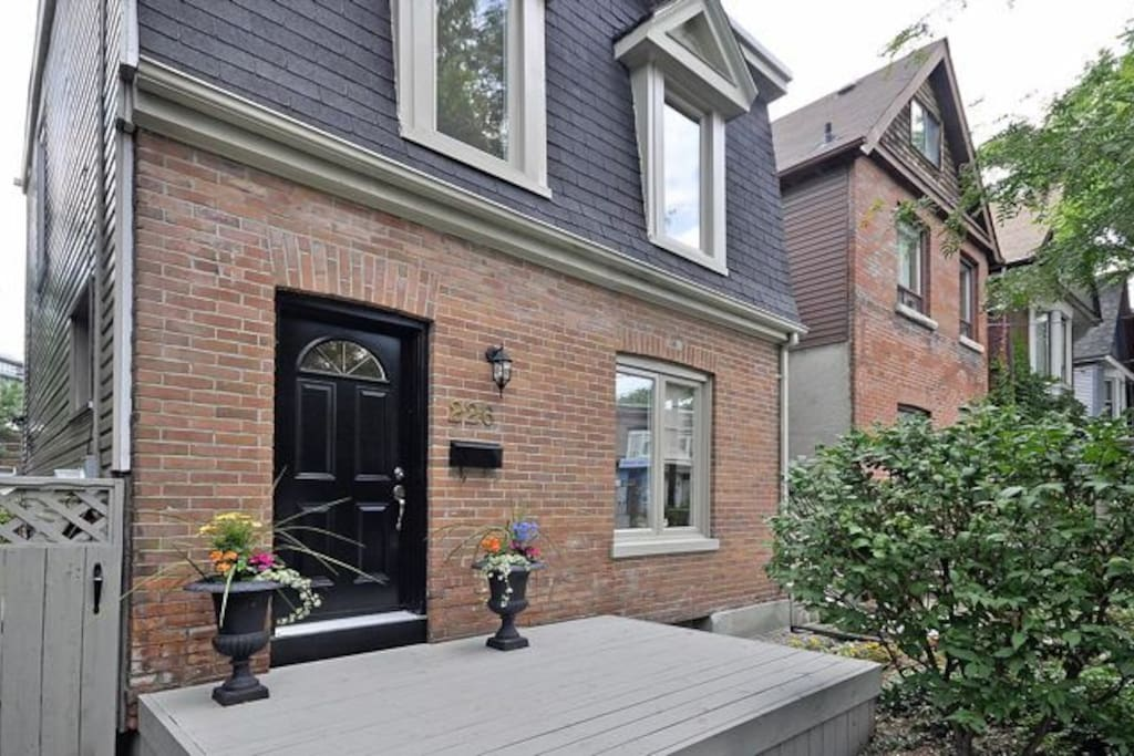 3 Bedroom Home in Leslieville