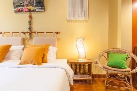 Saku Boutique Homestay Chiangmai: Room C - Saraphi - Bed & Breakfast