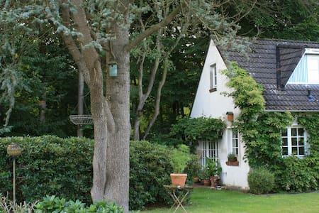Charmantes Waldhaus an der Nordsee - Varel