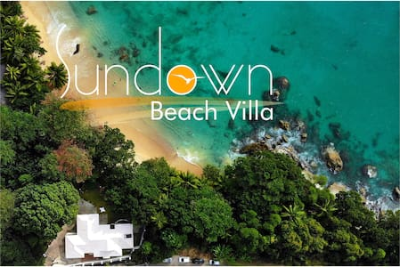 Sundown Beach Villa-Beachfront Villa in Paradise