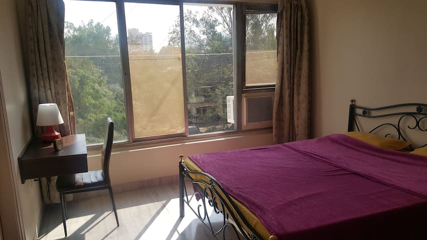 Quiet ensuite in Lane B Near Osho & German Bakery - Pune - Appartement