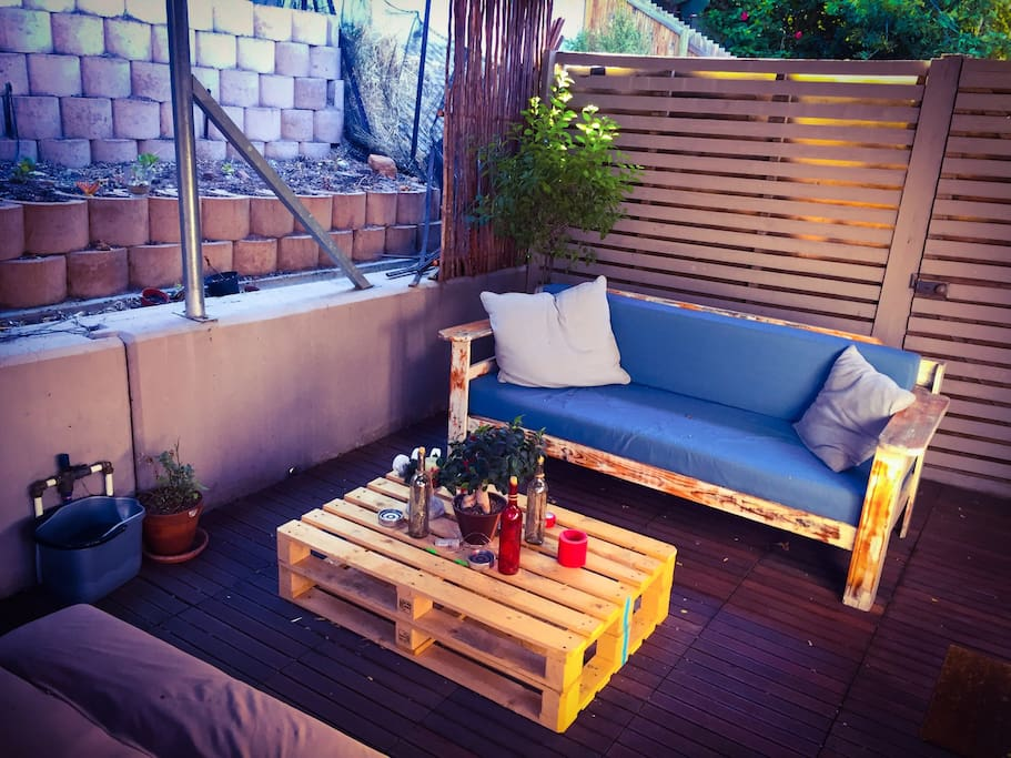 Private Enclosed Courtyard area