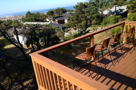 NEW, Custom designed Ocean View with POOL access - Waldport