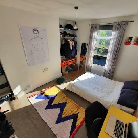 Bright double bedroom in beautiful Stoke Newington