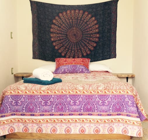 Casa El Camino room 2