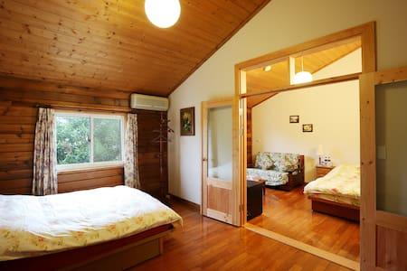 鄉村套房 四人套房 包含四人份保溫按摩浴缸  讓你的旅程的疲累獲得舒解 - 官田鄉 - Bed & Breakfast