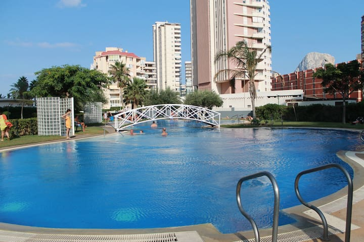 Outdooor swimming pool