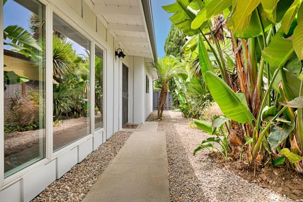 Welcome to La Jolla Shores Perfection! Lush landscaping with lots of outdoor space.