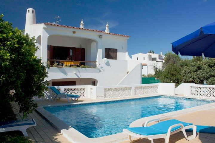 Big villa with pool, near the beach - Portimão - Huis