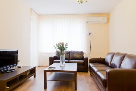 Luxurious 1 bed apart Sofia Mladost - 소피아