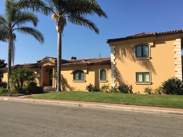 Redondo Beach, Spanish-style Villa