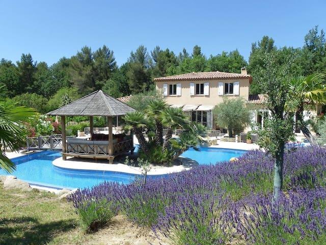 Très belle villa en Provence