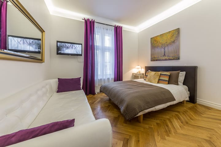 Stylish City Centre Luxury Studio - Talin