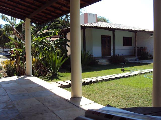 a parte de fora dos bungalows