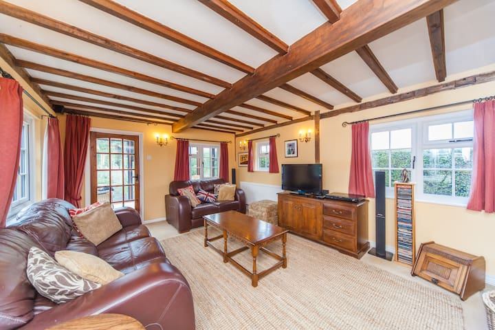 Private room not far from Cambridge - Helions Bumpstead - Hus