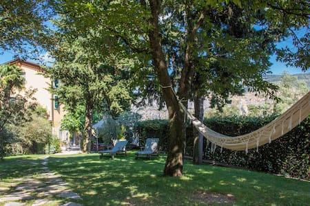 BETWEEN VERONA city and the lake - Rivoli Veronese - Bed & Breakfast
