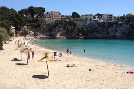 Light and airy character apartment sleeps 2 - Porto Cristo - Apartment
