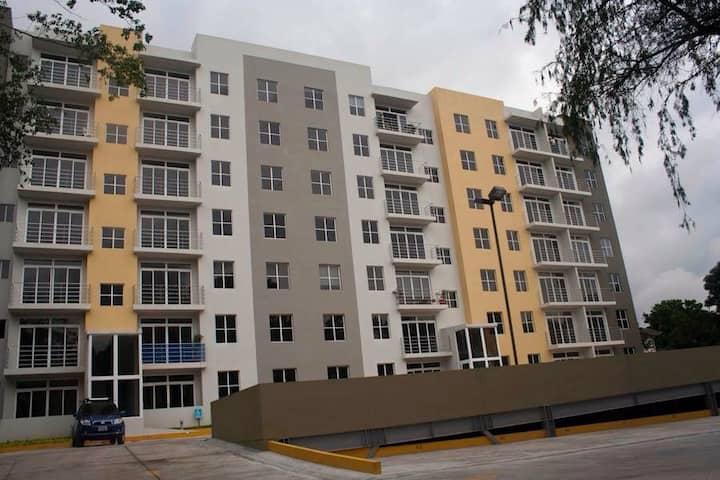 Moderno Apartamento Col  Escalon