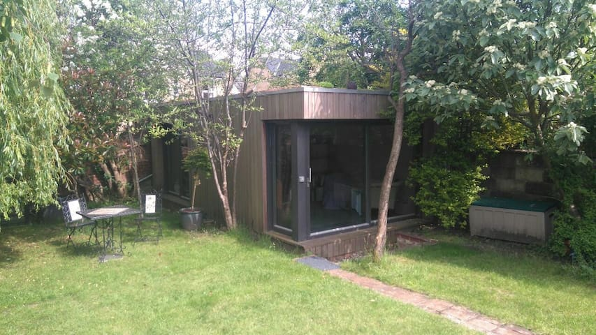 Garden room annexe in Headington