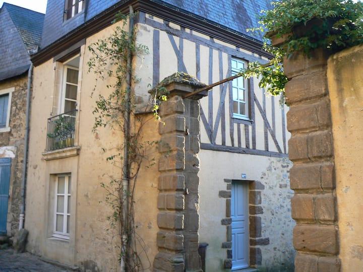 Duplex Standing Cœur Historique, 2 Chambres.
