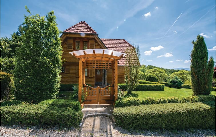 Holiday cottage with 2 bedrooms on 150m² in Varazdin