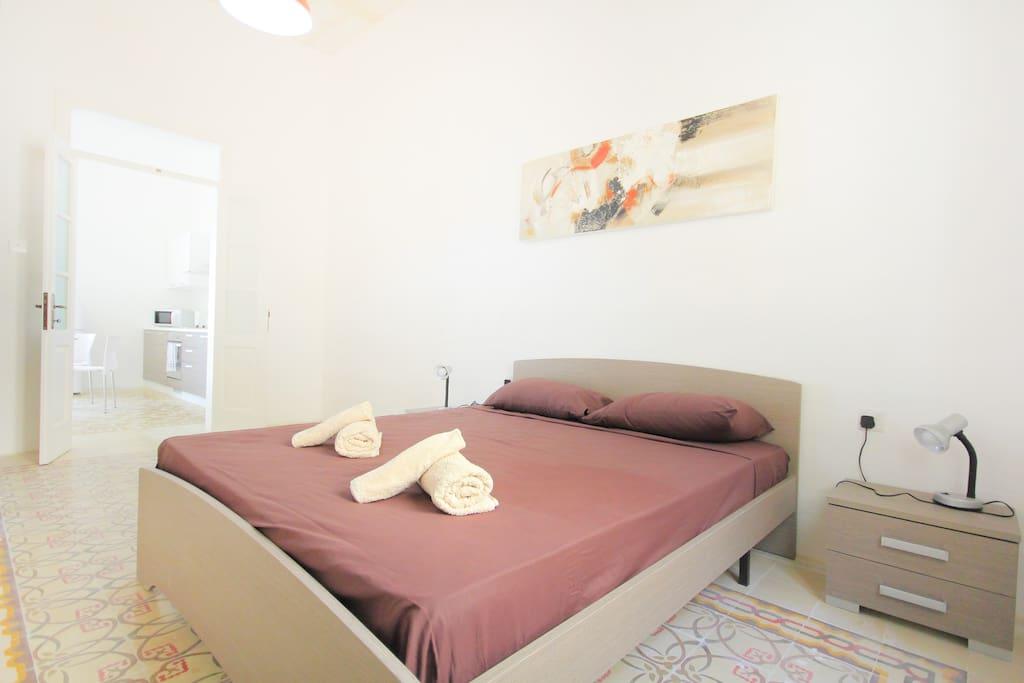 appartement la valette tr s bien situ appartements louer la valette malte. Black Bedroom Furniture Sets. Home Design Ideas