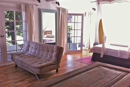 Luxury app Central Seminyak Beach - Kuta
