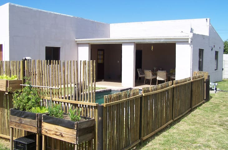 BLOSSOM TREE, SELFCATERING, FISHERHAVEN, HERMANUS - Fisherhaven