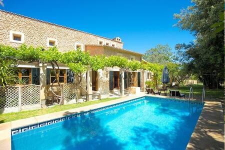 Paradise in the field, Luxury Villa - Inca - Villa