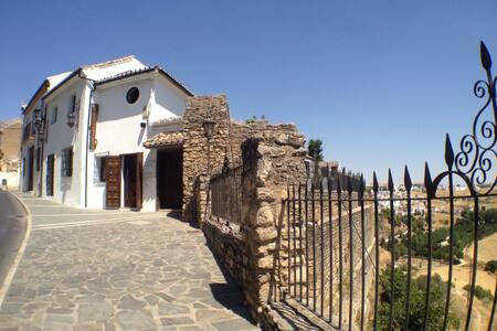 Elegante Casa Antigua  - Ronda