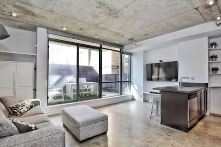Luxury Living in the Heart of King West
