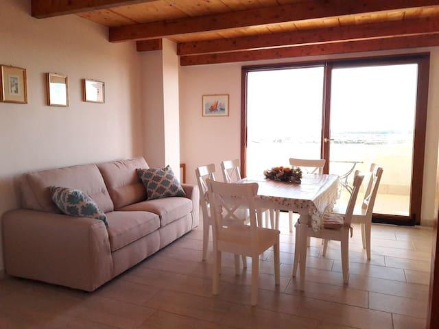 Panoramico appartamento con terrazza