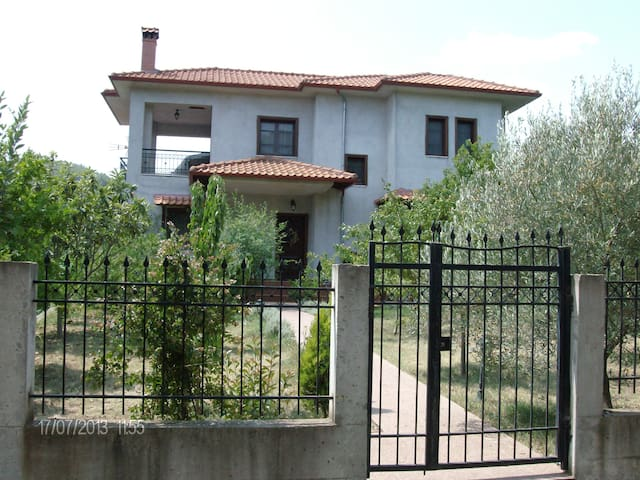 Villa in beautiful Chalkidiki. - Stratoni - Casa de campo
